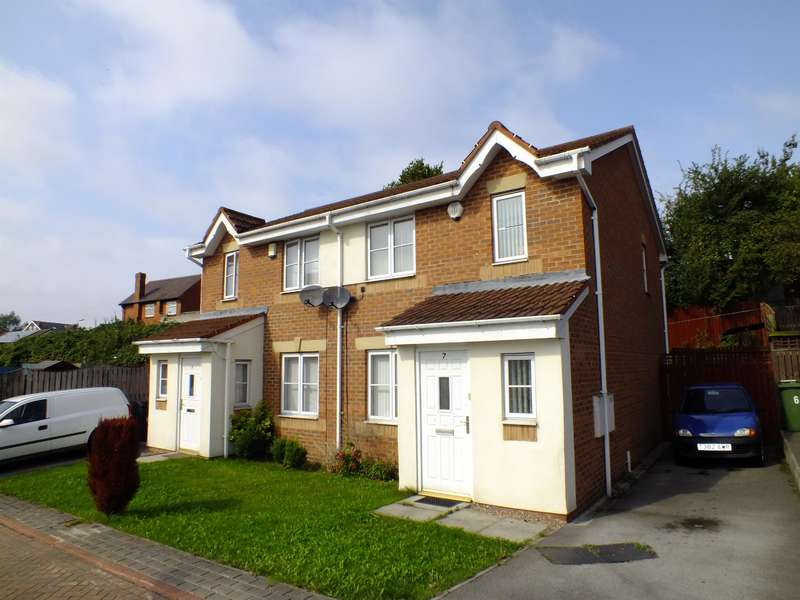3 Bedrooms Semi Detached House for sale in Oakham Garth, Leeds, West Yorkshire, LS9 9AP
