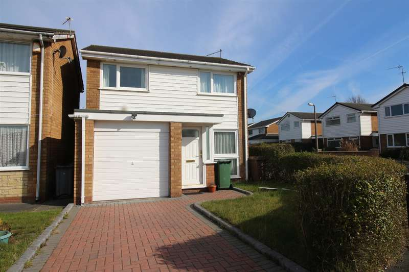 3 Bedrooms Detached House for sale in Tarbot Hey, Moreton , Wirral , CH46 6EG