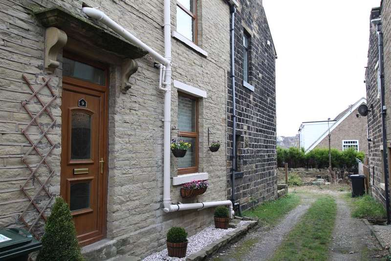 1 Bedroom Terraced House for sale in Wilson Fold, Bradford, BD12 0RS