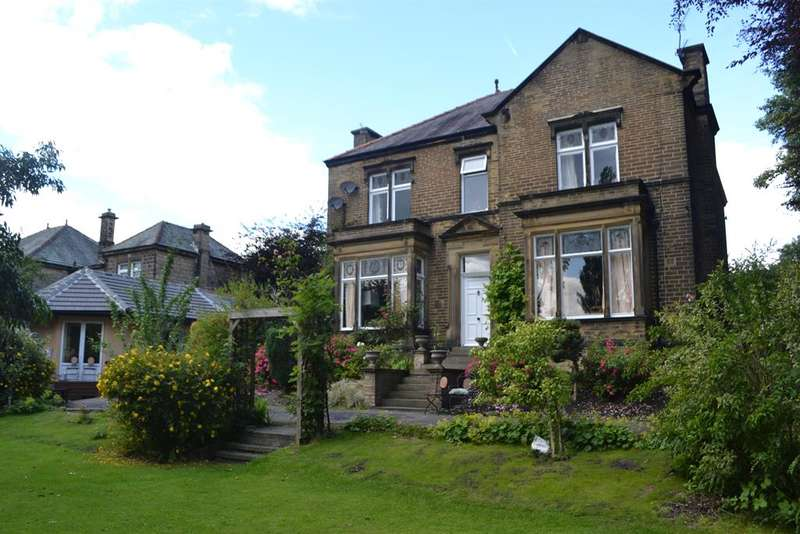 5 Bedrooms Detached House for sale in Pearson Lane, Heaton, Bradford, BD9 6BE