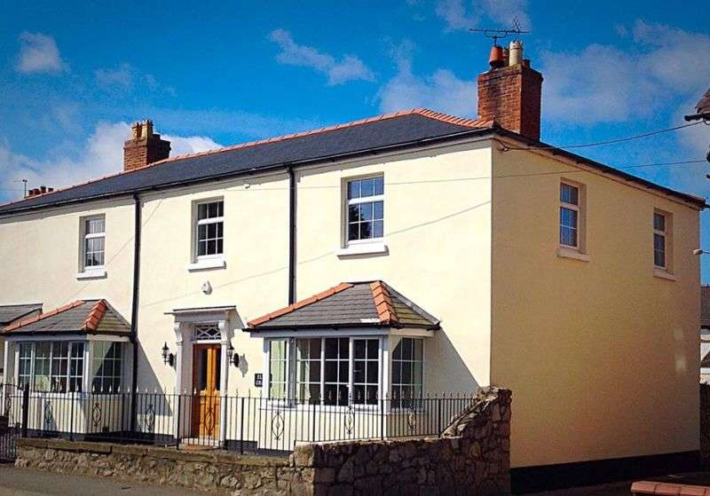 4 Bedrooms Semi Detached House for sale in The Roe, St. Asaph