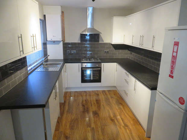 6 Bedrooms Terraced House for rent in Malvern Road, Kensington, Liverpool, L6