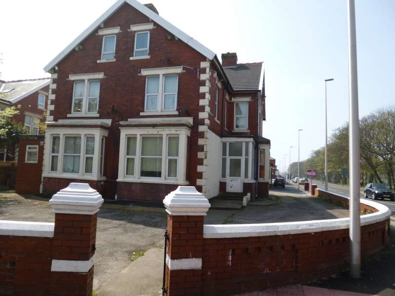 9 Bedrooms Flat for sale in St Annes Rd, Blackpool, Lancashire