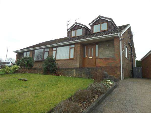 3 Bedrooms Semi Detached House for sale in Linkside Avenue, Oldham