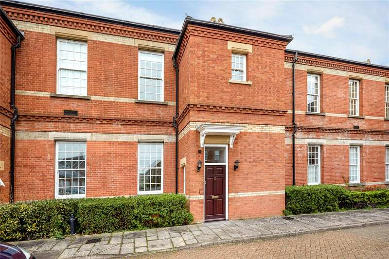 3 Bedrooms Terraced House for sale in Harvey Court, Sandy Mead, Epsom, Surrey, KT19
