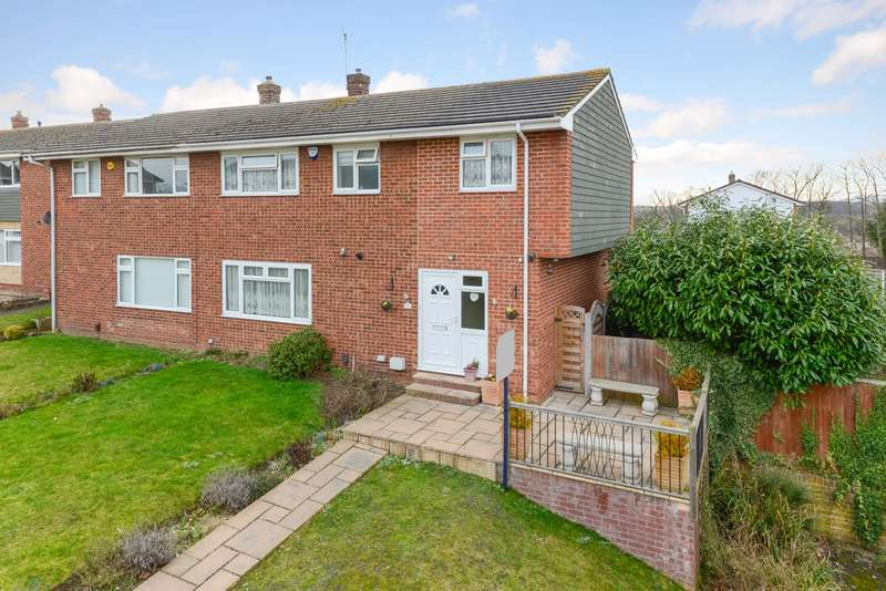 4 Bedrooms Semi Detached House for sale in Grebe Court, Birds Esate, Larkfield, ME20