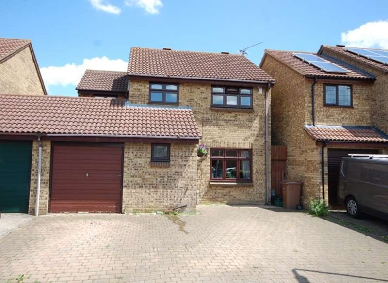4 Bedrooms Detached House for sale in Beardsley Drive, Springfield, Chelmsford, CM1