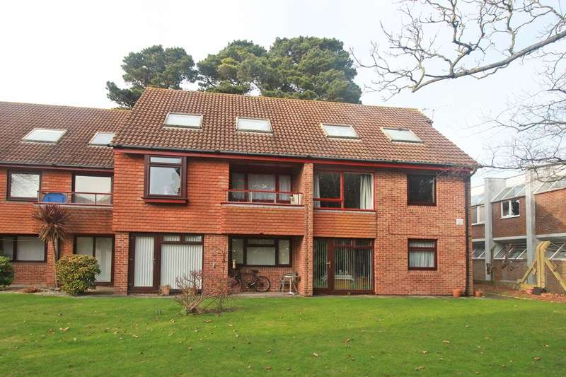 1 Bedroom Flat for sale in Somerford Way, Christchurch