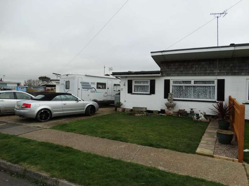2 Bedrooms Semi Detached House for sale in Camber Way, Beachlands