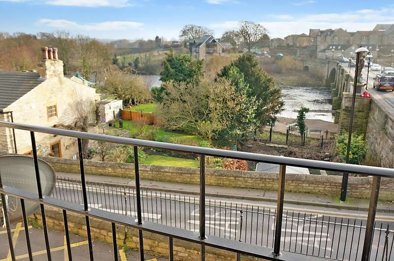 2 Bedrooms Flat for sale in Cliffe Terrace, Wetherby, LS22 6AL