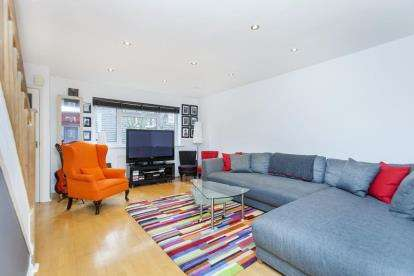 3 Bedrooms Terraced House for sale in Pendragon Walk, Colindale, London, United Kingdom