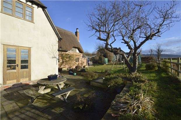 3 Bedrooms Cottage House for sale in Pamington, TEWKESBURY, Gloucestershire, GL20 8LT