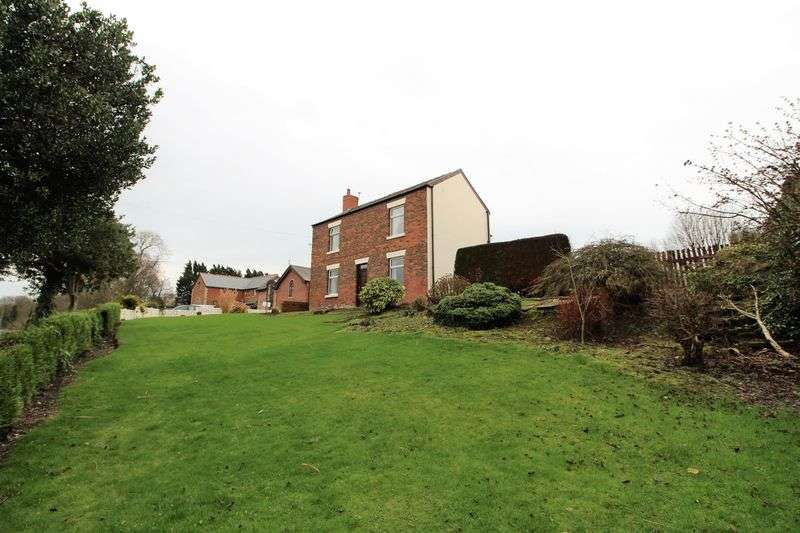 4 Bedrooms Detached House for sale in Shore Road, Hesketh Bank, Preston