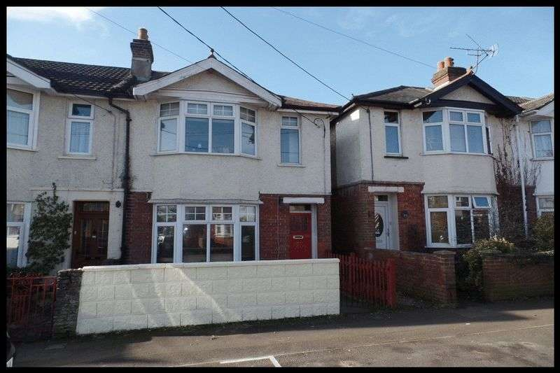 2 Bedrooms Terraced House for sale in Downs Park Road, Eling