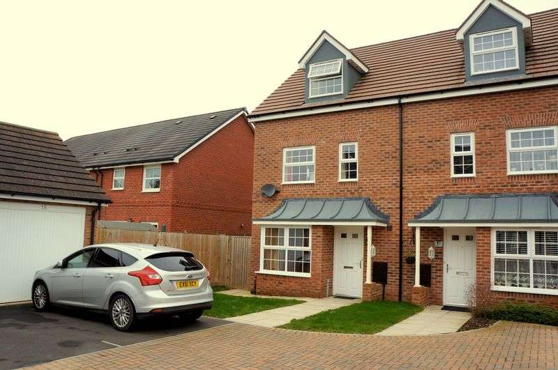 4 Bedrooms Semi Detached House for sale in Donna Nook Lane, Kingsway, Gloucester