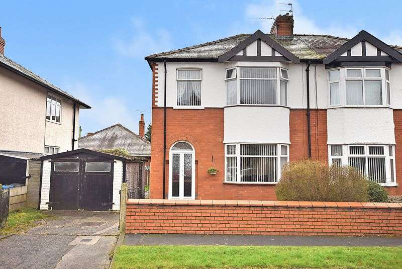 3 Bedrooms Semi Detached House for sale in Sefton Avenue, Widnes