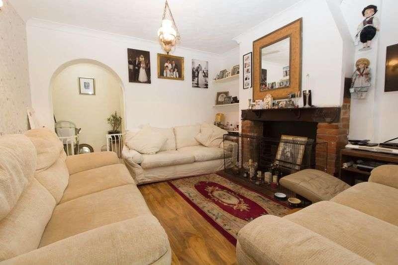 3 Bedrooms Terraced House for sale in Beach Road, Sea Palling