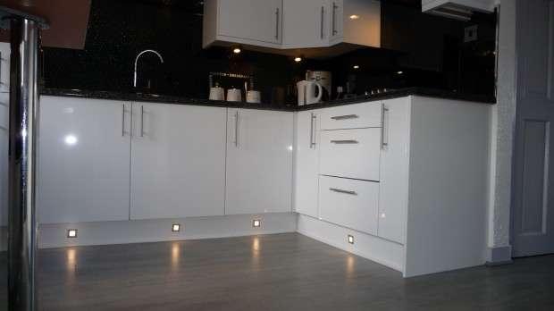2 Bedrooms Terraced House for sale in Glengarriff Road, Bellshill, ML4