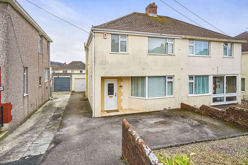 3 Bedrooms Semi Detached House for sale in Woodford Avenue, Plymouth, PL7