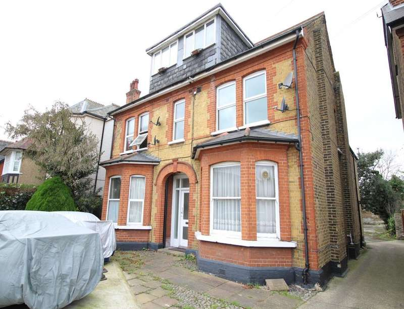 1 Bedroom Flat for sale in Darnley Road, Gravesend, DA11