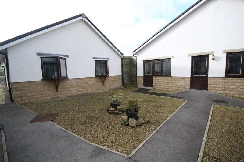 2 Bedrooms Bungalow for sale in 7 The Courtyard, Colne Lane, Colne