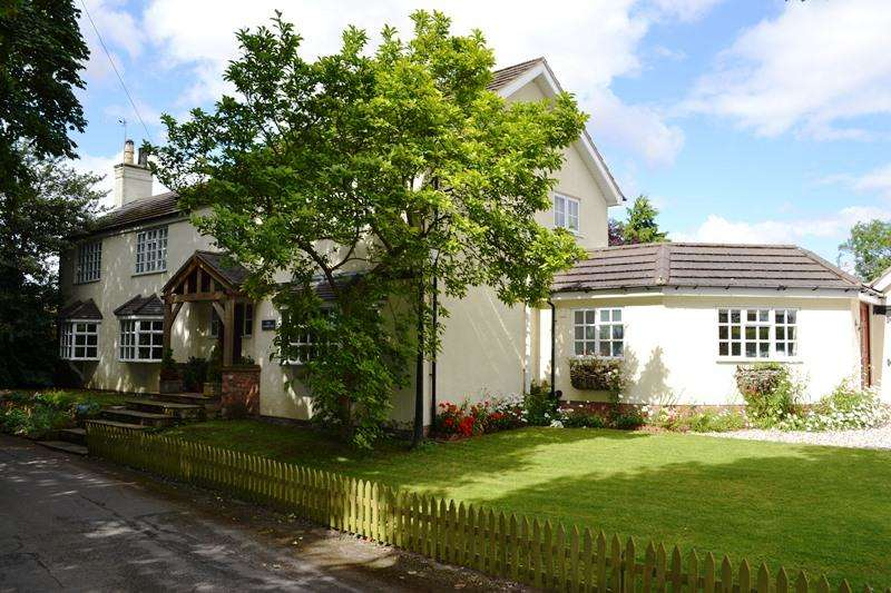 5 Bedrooms Detached House for sale in Chapel Lane, Ashby-cum-Fenby DN37
