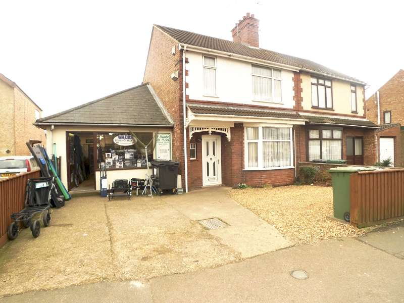 3 Bedrooms Property for sale in High Street, Peterborough, Cambridgeshire. PE2 9EH