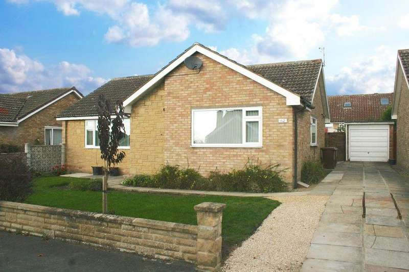 3 Bedrooms Detached Bungalow for sale in 62 Farmanby Close, Thornton Dale, YO18 7TE