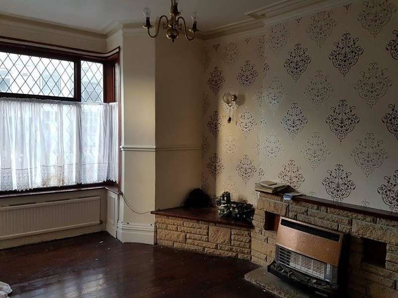 4 Bedrooms Terraced House for rent in Colne Road, Burnley BB10