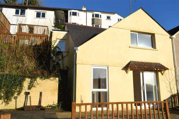 2 Bedrooms End Of Terrace House for sale in The Hillocks, Pendrim Road, Looe, Cornwall
