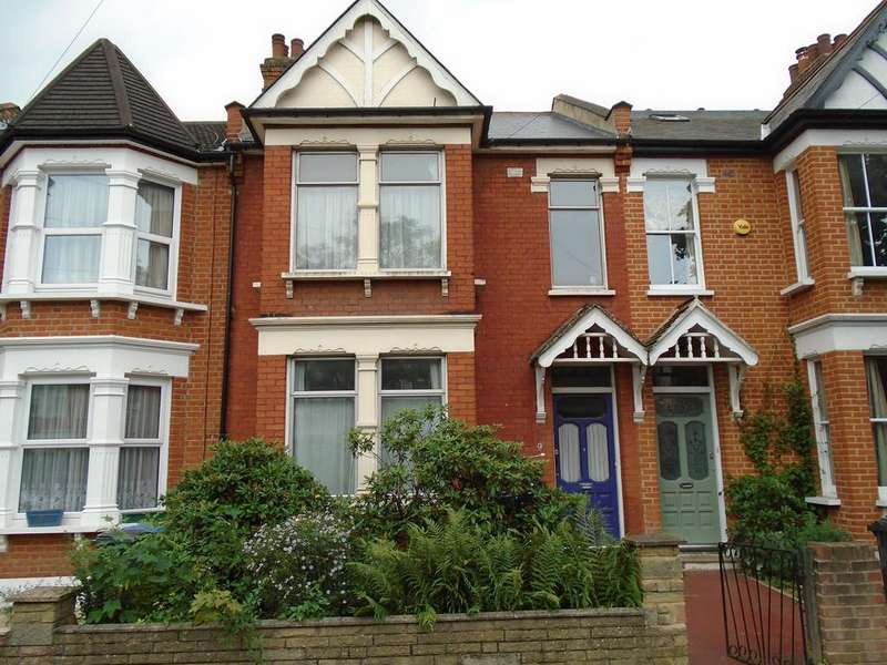 3 Bedrooms Terraced House for sale in Shrewsbury Road, London N11