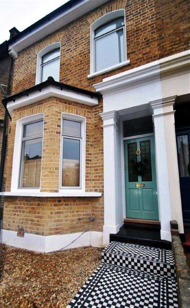 3 Bedrooms Terraced House for sale in Malpas Road, Brockley, London