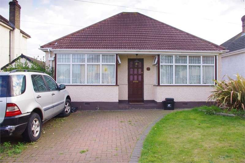 4 Bedrooms Detached Bungalow for sale in Broomwood Road, ORPINGTON, Kent
