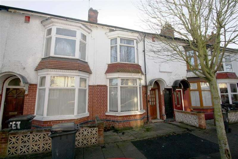 3 Bedrooms Terraced House for sale in Sweetbriar Road, Leicester, LE3