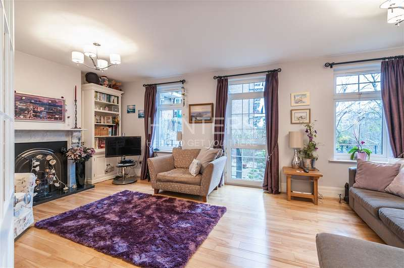 3 Bedrooms Flat for sale in Cholmley Gardens, London, NW6 1AH