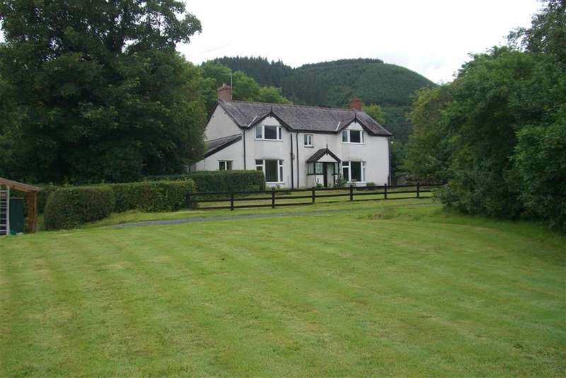 3 Bedrooms Detached House for sale in Clatter, Caersws