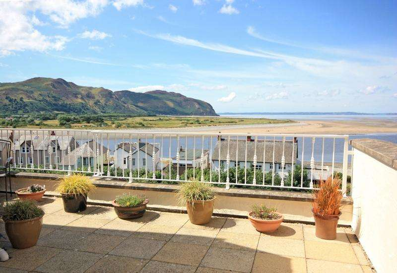 2 Bedrooms Penthouse Flat for sale in Heron Way, 11 Deganwy Road, Deganwy LL31