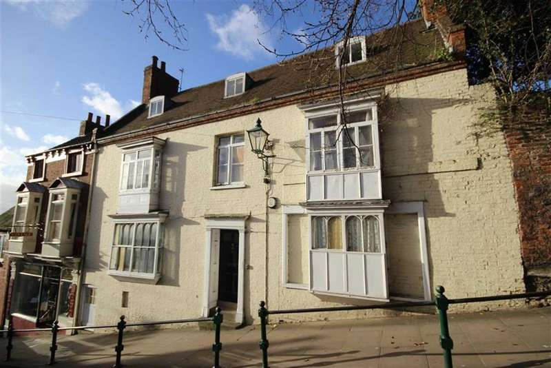 6 Bedrooms Town House for sale in Steep Hill, Lincoln, Lincolnshire