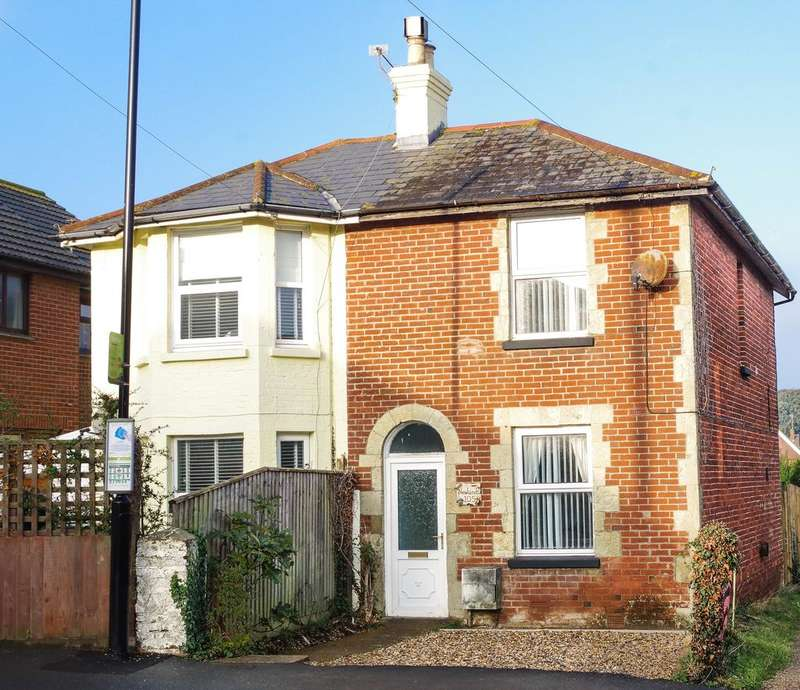 2 Bedrooms Semi Detached House for sale in Sandown Road, Lake PO36