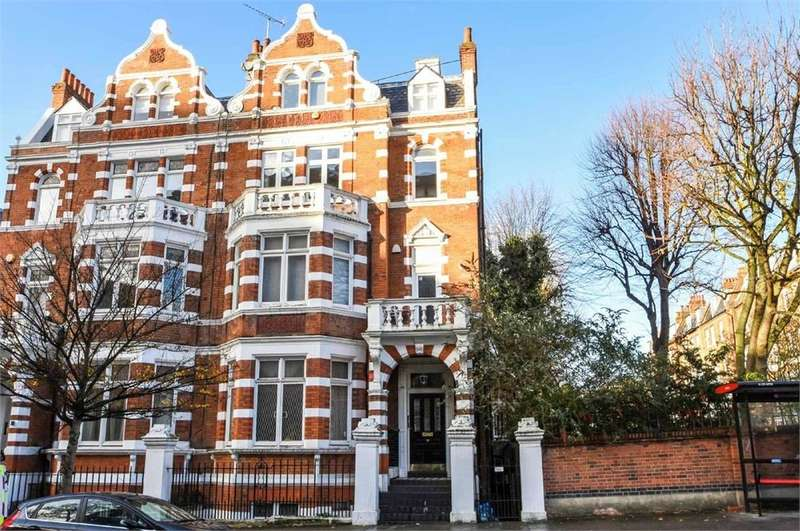 3 Bedrooms Flat for sale in Hall Road, St John's Wood, London