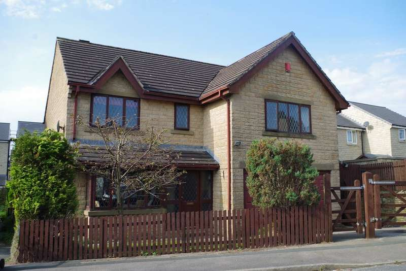 4 Bedrooms Detached House for sale in Micklethwaite Drive, Queensbury, Bradford BD13