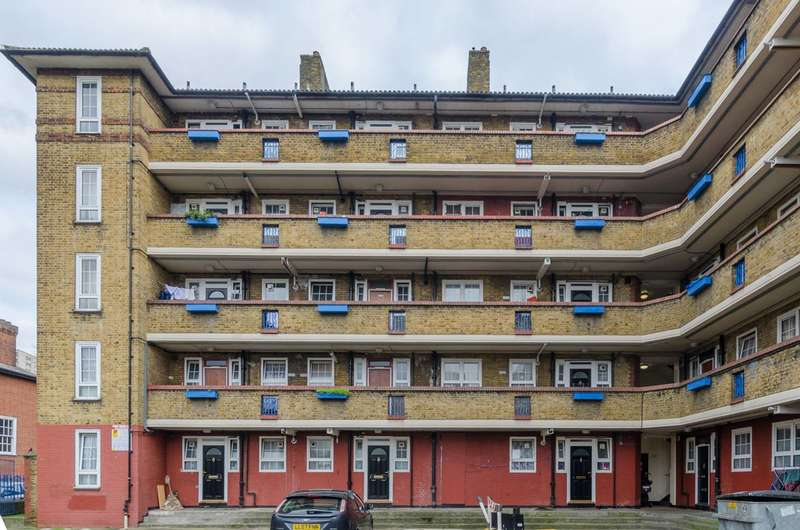 2 Bedrooms Flat for sale in Hale Street, Poplar, E14