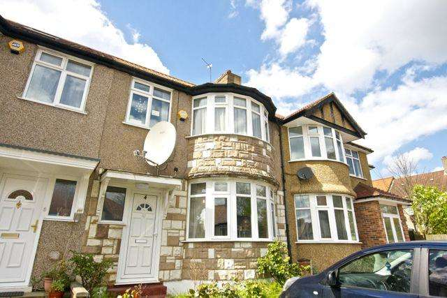 3 Bedrooms Terraced House for sale in Hill View Gardens, Kingsbury NW9