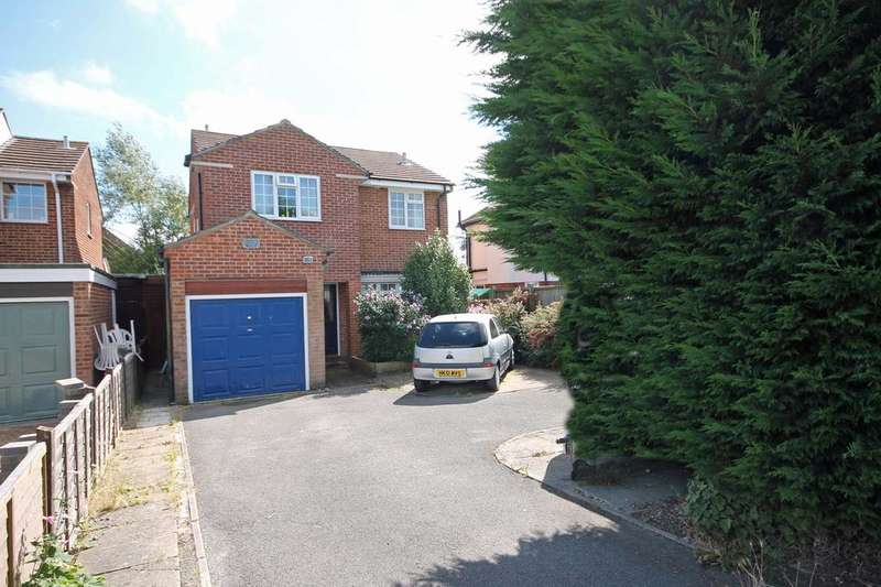 4 Bedrooms Detached House for sale in Titchfield Common PO14