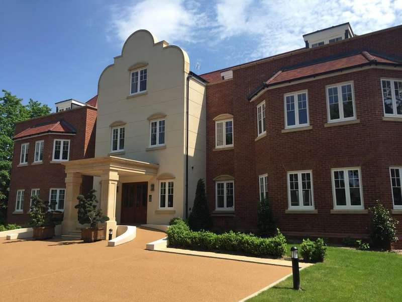 3 Bedrooms Apartment Flat for sale in Lady Margaret Road, Sunningdale SL5