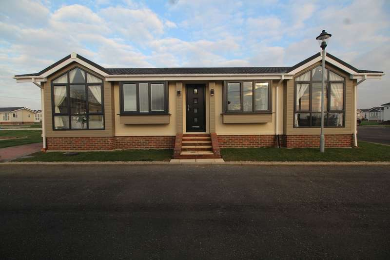 2 Bedrooms Detached Bungalow for sale in Beach Court Faversham Road, Seasalter, Whitstable, CT5