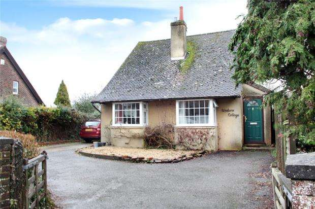 4 Bedrooms Detached House for sale in Arundel Road, Angmering, West Sussex, BN16