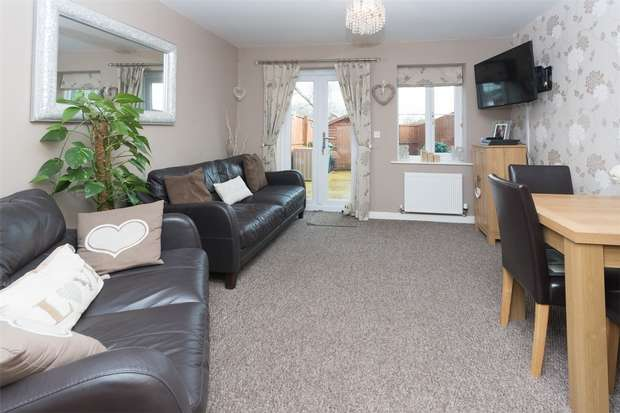 2 Bedrooms Semi Detached House for sale in Hardwicke Close, YORK