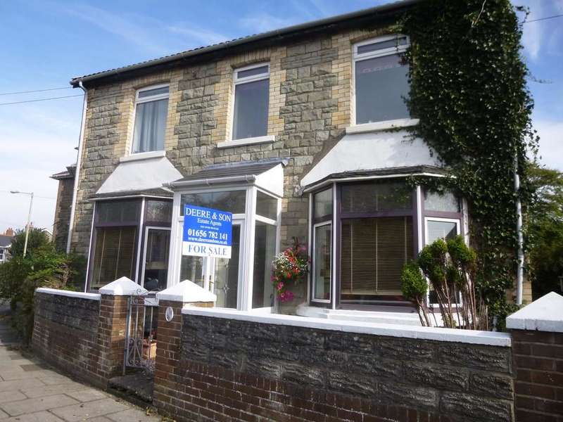 3 Bedrooms Semi Detached House for sale in South Road, Porthcawl CF36