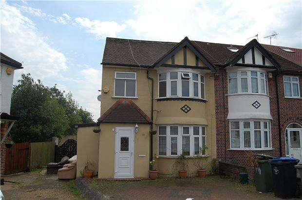 4 Bedrooms Semi Detached House for sale in Church Drive, Kingsbury NW9